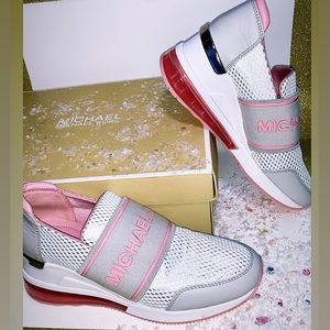 NWT Michael Kors Flex Trainer Extreme Sneakers 6.5